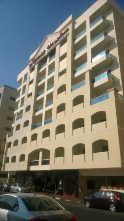 Savoy Park Hotel Apartments: front view of building