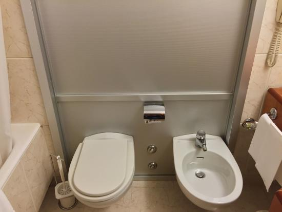 Toilet & bidet - Picture of Visconti Palace, Rome - TripAdvisor