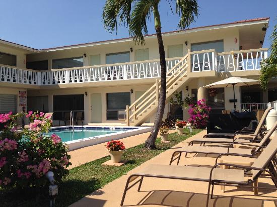 Deerfield Beach Motel