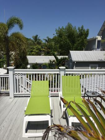 Sun deck picture of chelsea house pool garden hotel for Chelsea pool garden key west