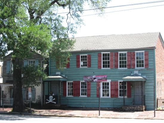 Oldest house in georgia picture of old savannah tours for House tours in savannah ga