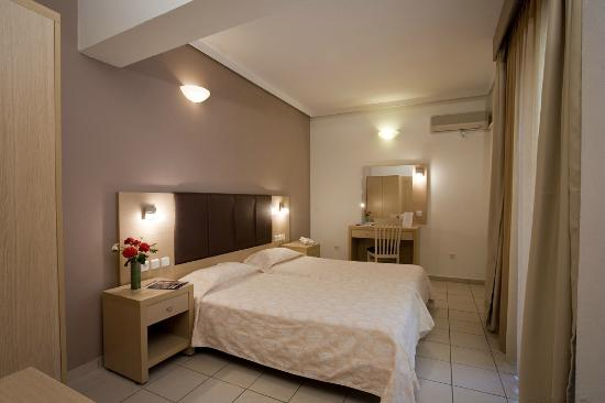 Caravel Apartment Hotel