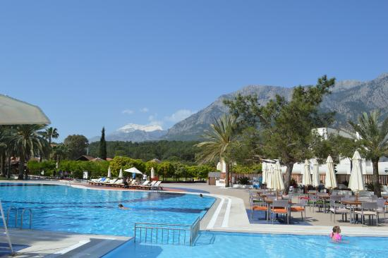 Piscine principale picture of club med palmiye kemer for Piscine club med gym