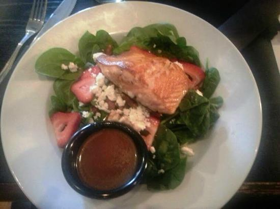 Liberty Tap Room: Strawberry Spinach Salad with Salmon