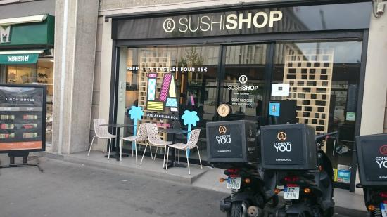 devanture sushishop devant la mairie le havre. Black Bedroom Furniture Sets. Home Design Ideas