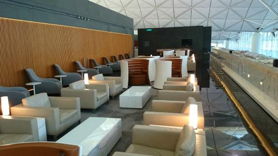 Hong Kong airport lounge and spa