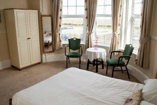 Photo of Hadleigh Gables Hotel Great Yarmouth
