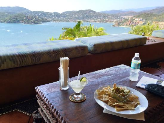Photo of Amuleto Zihuatanejo