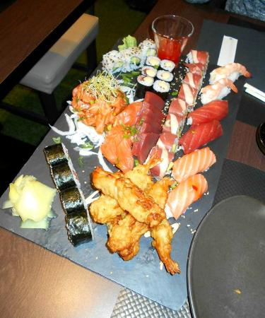 plateau degustation picture of fuji sushi aix les bains tripadvisor. Black Bedroom Furniture Sets. Home Design Ideas