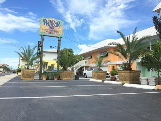 Photo of Snug Harbor Inn Madeira Beach