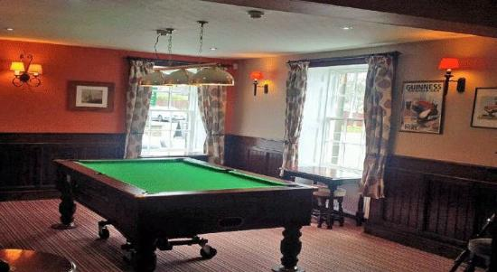 Pool table picture of the grouse inn darley dale - Matlock hotels with swimming pools ...