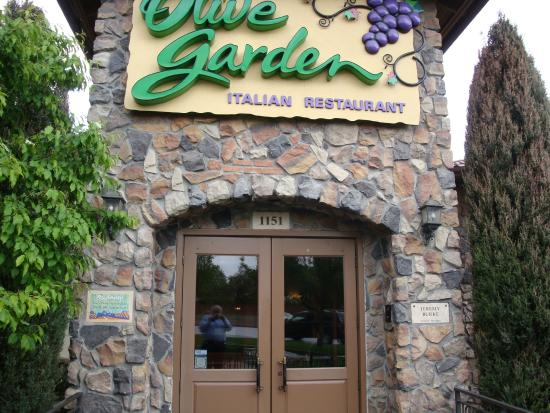 Entrance To Olive Garden Picture Of Olive Garden Thornton Tripadvisor