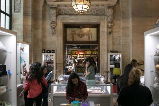 5th ave lobby picture of new york public library new