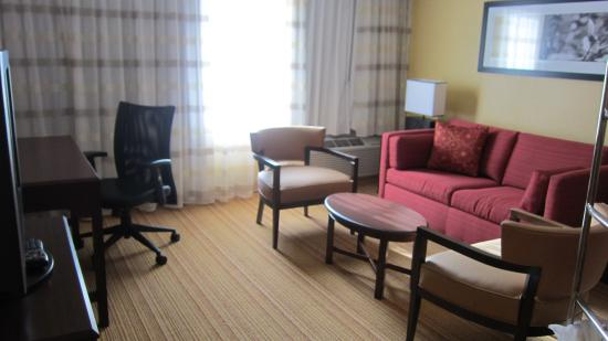 Living room picture of courtyard by marriott durham for The family room research