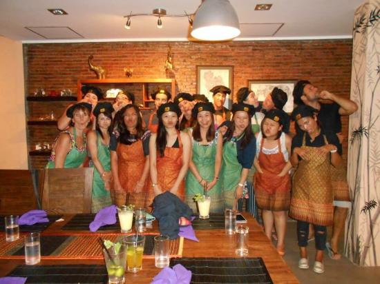 photo0.jpg - Picture of The Thai Experience, Maret ...
