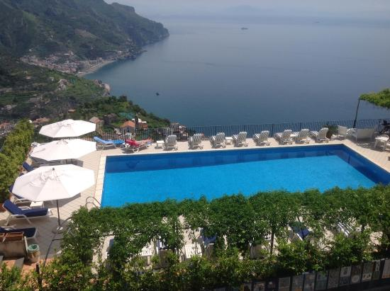 View from th pool picture of graal hotel ravello for Hotels in ravello with swimming pool