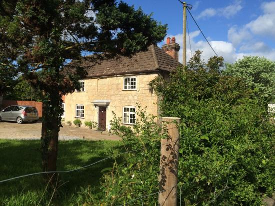 A Lovely Welcome Review Of Brookside Cottage Ningwood