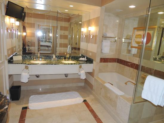 la belle salle de bain picture of venetian resort hotel casino las vegas tripadvisor. Black Bedroom Furniture Sets. Home Design Ideas