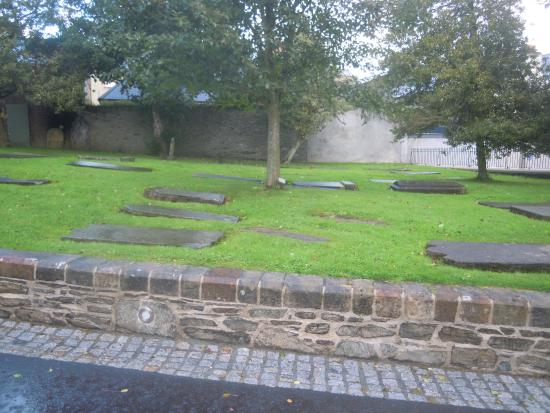 St. Columb's Cathedral Cemetery
