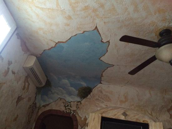 The Mission Inn: Our painted ceiling!