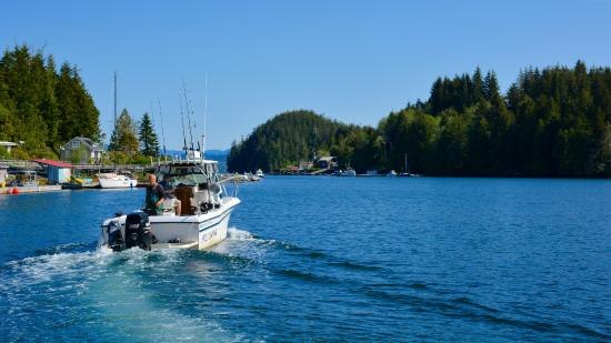 Bamfield, Canada: Mills Landing vessel used for fishing and ferrying you back and forth across the harbour.