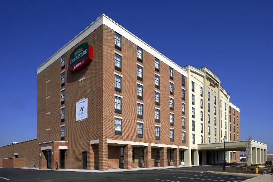 Photo of Courtyard by Marriott Hamilton