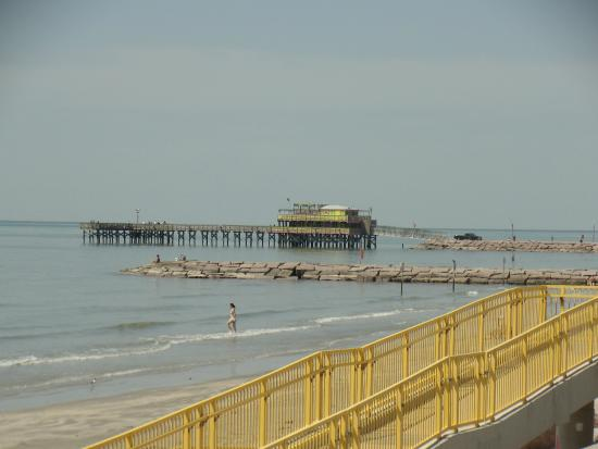 Pier picture of galveston 39 s 61st street fishing pier for Galveston jetty fishing report