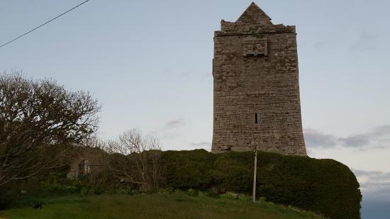 Ballinalacken Castle Country House: Remains of castle on property