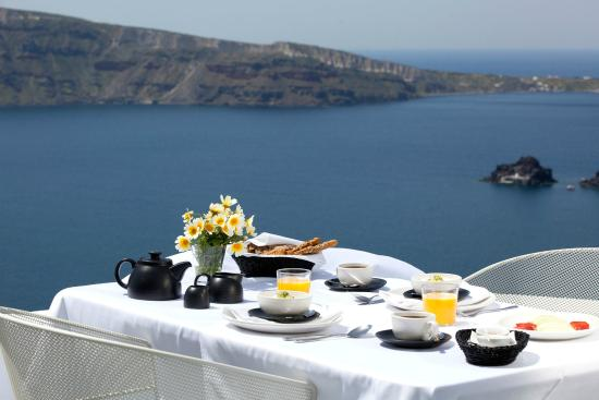 Ikies - Traditional Houses: Breakfast with a view