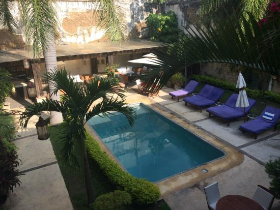 The hotel courtyard pool picture of hotel boutique de la for Boutique hotel oaxaca