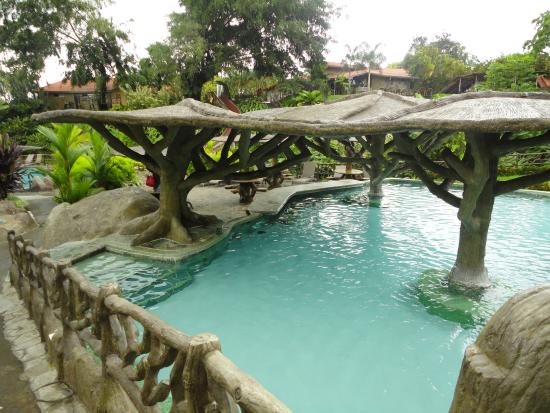 Piscina picture of los lagos hot springs la fortuna de for Piscinas media markt