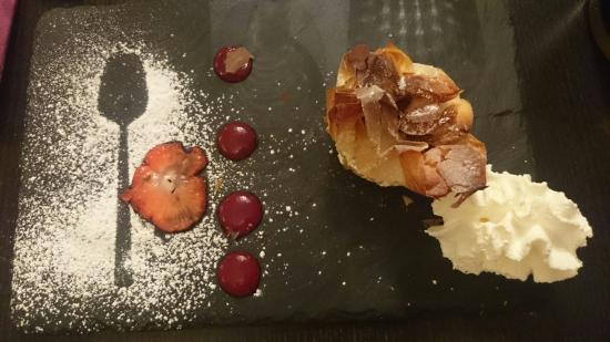 dessert aux pommes un d 233 lice picture of a la table de larry ales tripadvisor