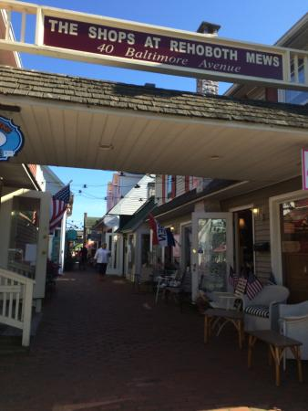 The Shops at Rehoboth Mews