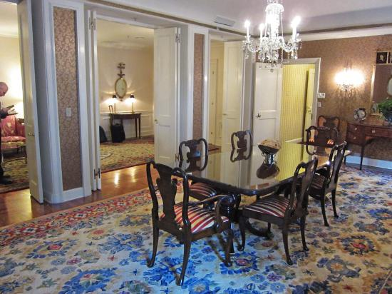 The formal dining room in waldorf towers presidential for Presidential suite waldorf astoria