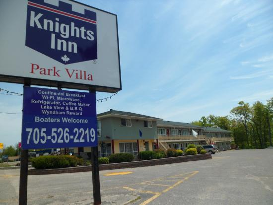 Howard Johnson Park Villa Motel