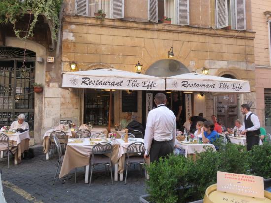 On a nice piazza picture of elle effe restaurant rome for Ristorante elle roma