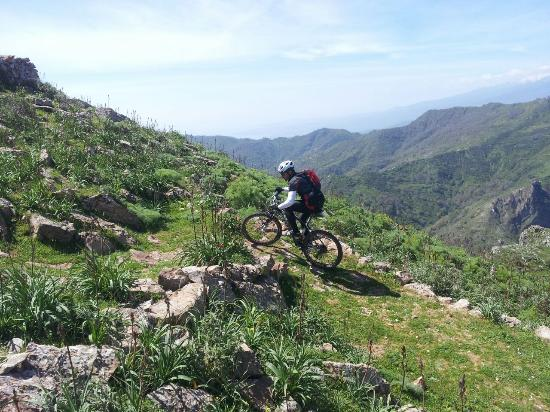 Cycling Sicily - Planet Sicily