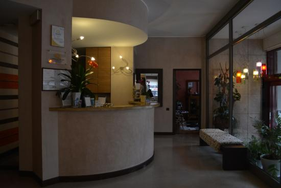 Entrata picture of park hotel meuble como tripadvisor for Hotel meuble como