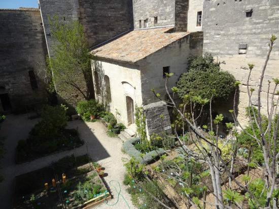 Bird 39 s eye view picture of le jardin medieval uzes for Jardin medieval