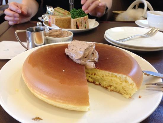 To those whove seen this image of pancakes floating around to those whove seen this image of pancakes floating around instagram i found out theyre from west aoyama garden in tokyo japan food ccuart Choice Image