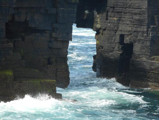 Pierowall, UK: Amazing cliffs