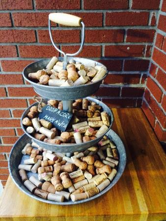 7 Pecados Kitchen & Grill: Drop a cork and make a wish!