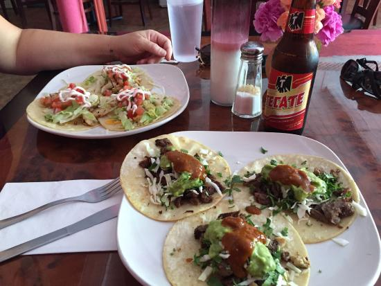 Valatie, NY: Mexican-style tacos in the foreground. Recommended!!