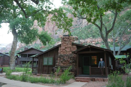 Zion lodge cabin picture of zion lodge zion national for Cabin rentals near zion national park