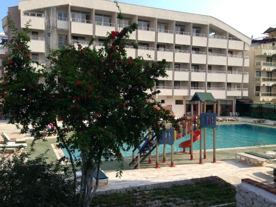 Photo of Hotel First Class Altinkum