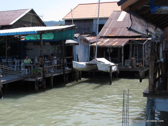 Lanta Old Town: Restaurant by the sea