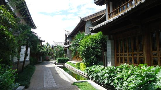 InterContinental Lijiang Ancient Town Resort: Property is so big, beautiful and well designed.