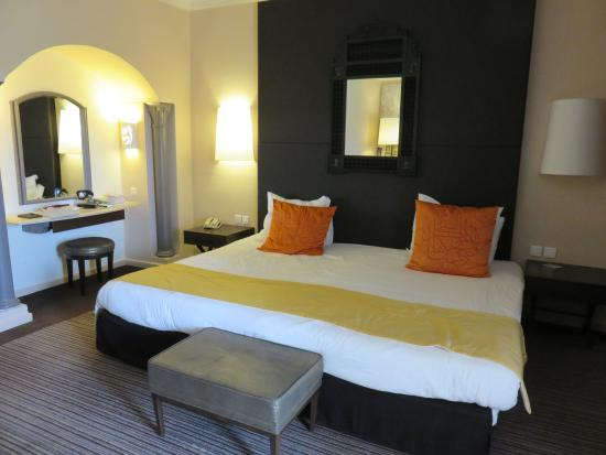 Chambre avec lit king size picture of hotel riu palace oceana hammamet hammamet tripadvisor Chambre a coucher lit king size
