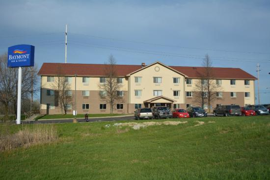 Best Value Inn And Suites   Hol