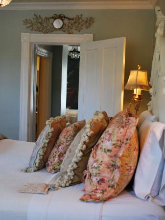 Cecile's House: Love the Master's Suite